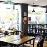 NZ人が外国人にどれだけ優しいのか調べるため、カフェ店員にウザい冗談を言う実験をしてみました 結果は…