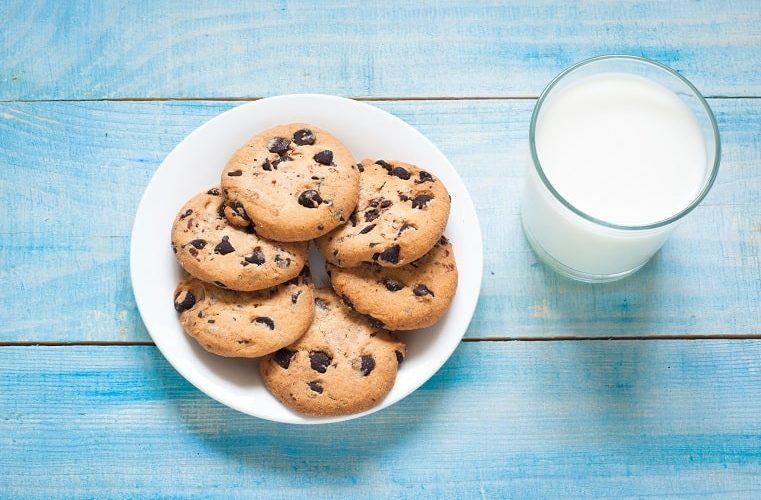 ポストにクッキーが入っていたら食べますか?